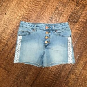 🌈3/$25🌈 Cat & Jack embroidered shorts size 6